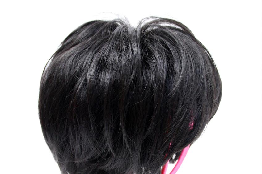 メンズウィッグの髪を拡大して表示